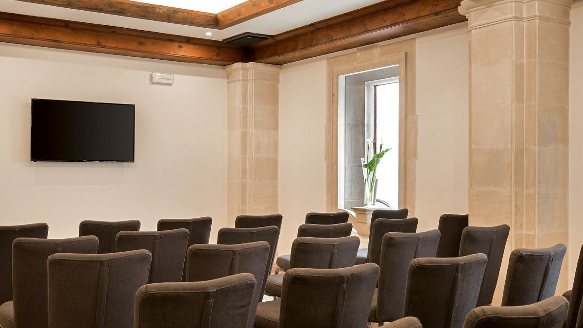 Meeting room with monitor