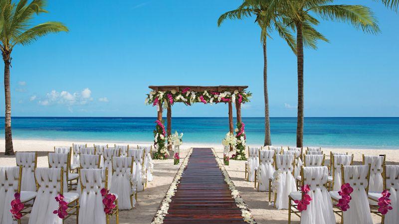 8daafc2e4620 Seaside Ceremony   Reception