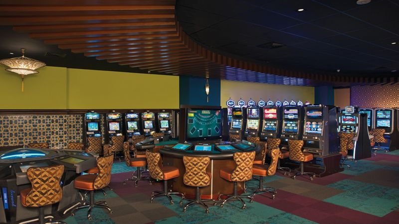 luxury resort casino with bingo, slots, electronic roulette and blackjack